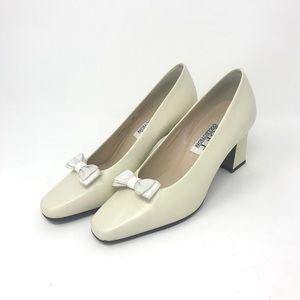 Worthington Soft Vintage Ivory Heels Size 6M